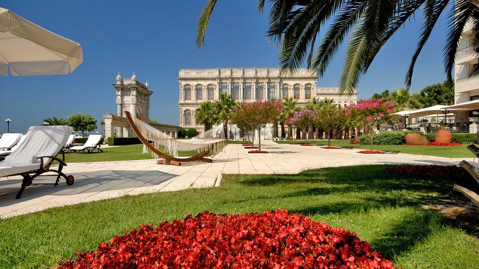 Ciragan Palace Kempinski Istanbul Gardens