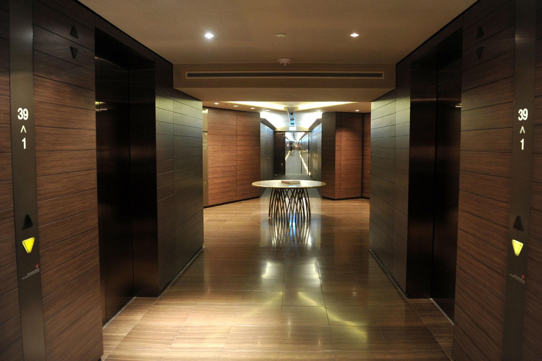 Legatto insider armani hotel dubai legatto lifestyle for Armani hotel dubai interior design
