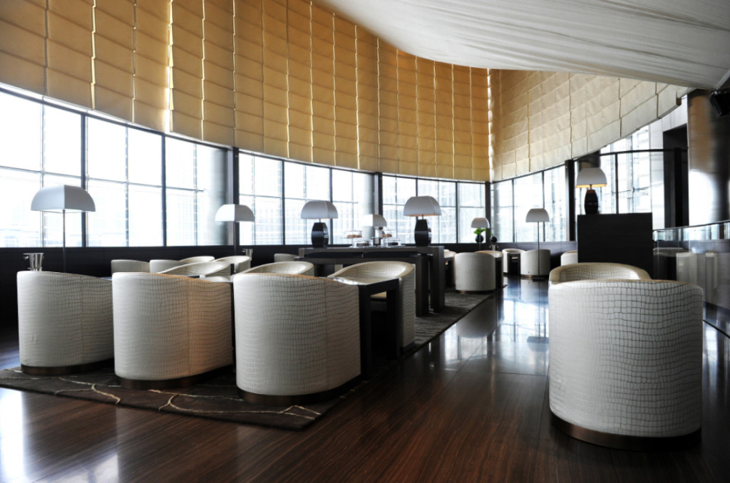 Found at the heart of the hotel and overlooking the spectacular Dubai fountain, Armani/Lounge is the perfect spot to meet and relax for a light meal any time of day.
