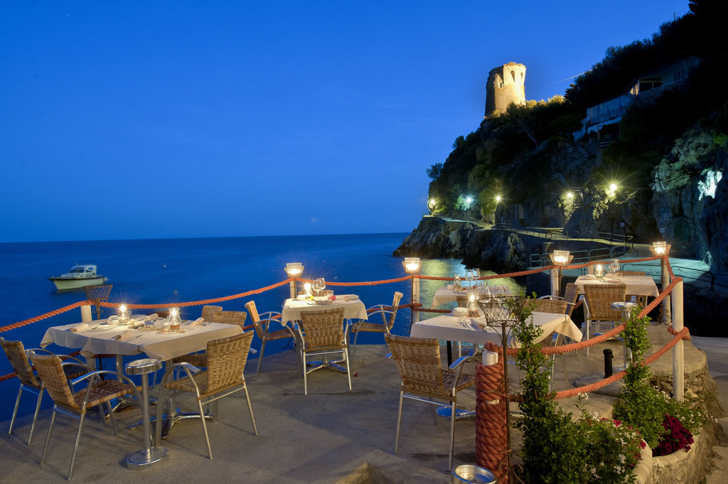Top 10 fine dining with a fine view legatto lifestyle for Amalfi coast cuisine