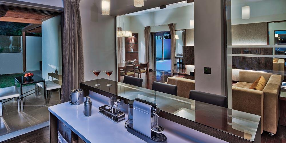 Desert_Palm_Per_AQUUM_Pool_Residence_Dining_B