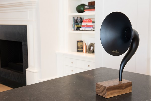 Gramavox-Bluetooth-Speaker-3-600x400