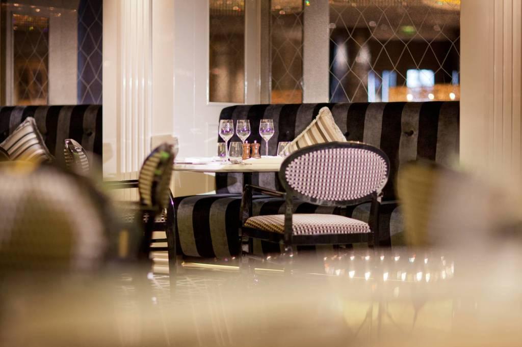 Jumeirah at Etihad Towers - Brasserie Angelique Interior 2