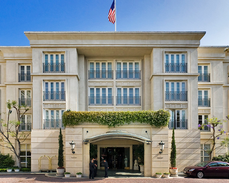 The Peninsula Beverly Hills offers the perfect, luxurious oasis, set in one of the most prestigious areas in the City of the Angels, in the heart of Beverly Hills.