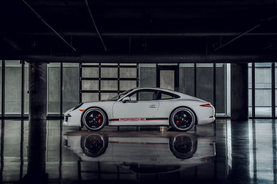 Porsche 911 Carrera Rennsport Reunion - Side view