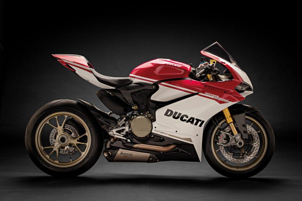Ducati-1299-Panigale-S-Anniversario-Legatto-Lifestyle-1