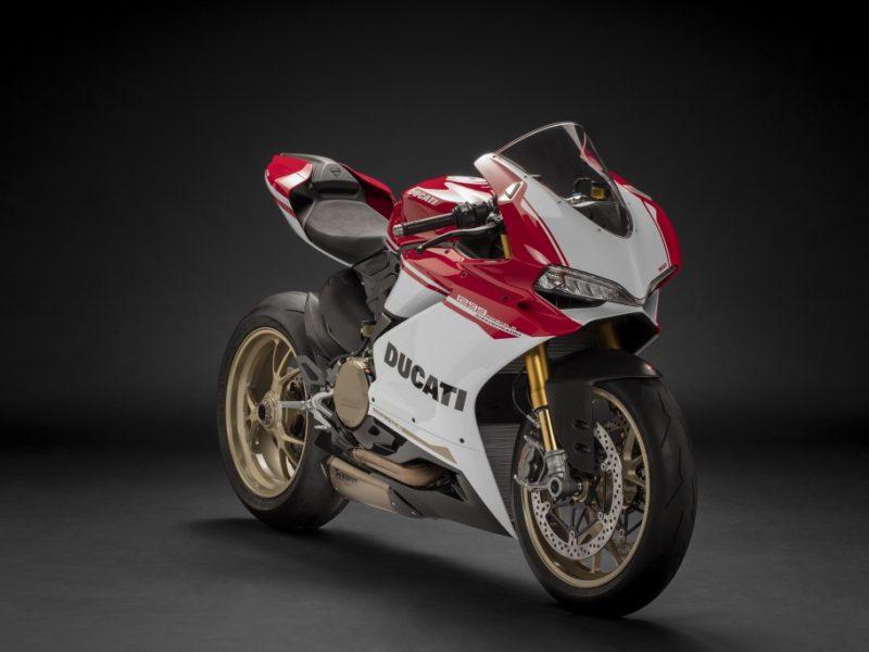 Ducati-1299-Panigale-S-Anniversario-Legatto-Lifestyle-3